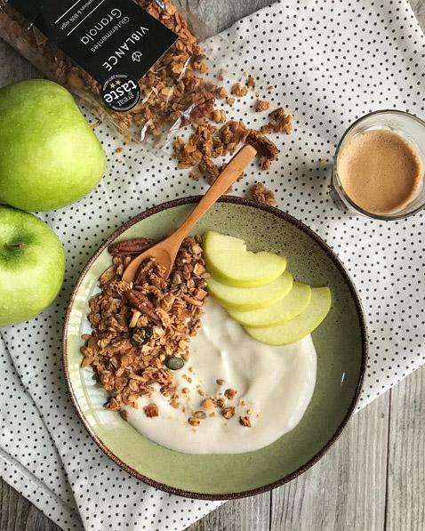 granola növényi joghurttal